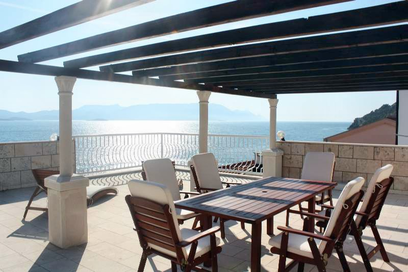 Apartment Galeb big terrace